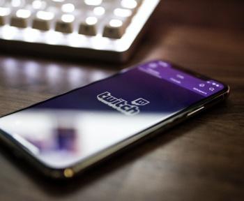 Twitch répond à la polémique sur le harcèlement en ligne après le mouvement #TwitchBlackout