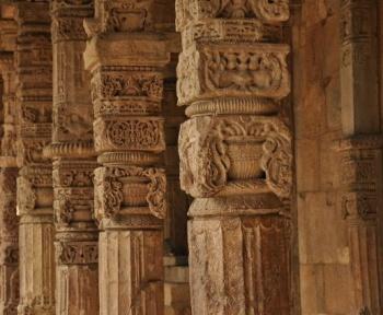 En Inde, un ancien temple hindou a été découvert enfoui dans le sable