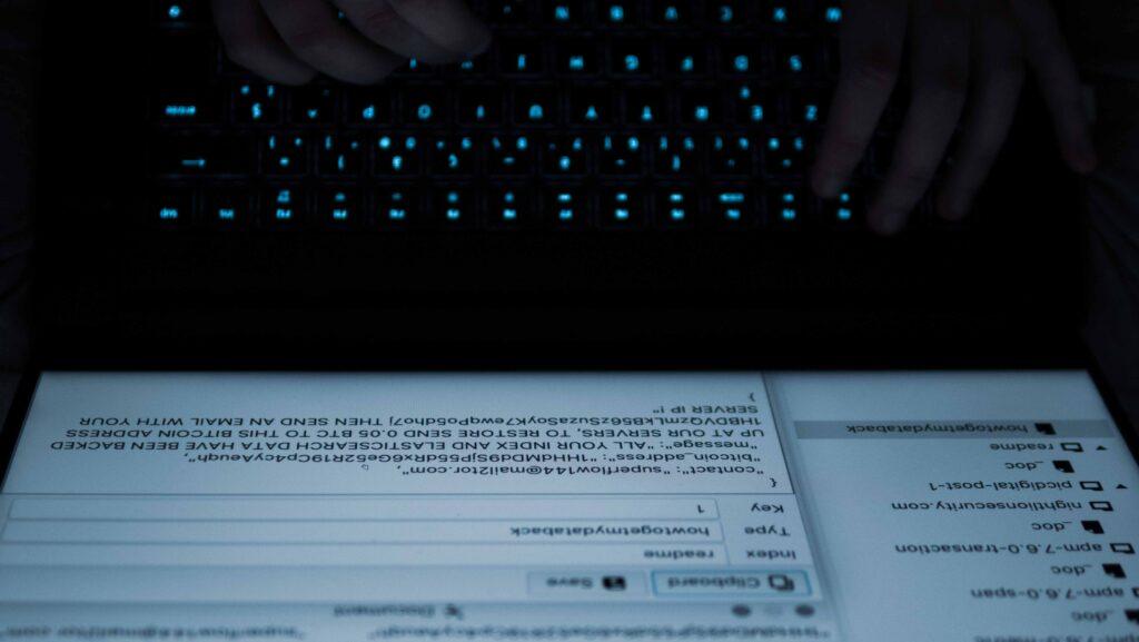 Ils ont été victimes du plus gros cybercasse suivi par la justice française : voici leur récit
