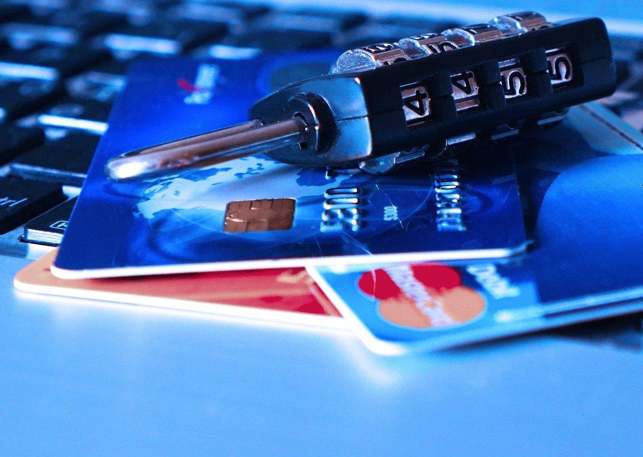 Plus de 500 sites de e-commerce piratés, des numéros de carte bancaire en fuite !