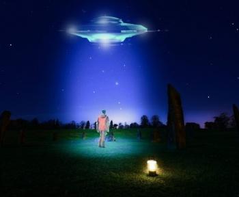 OVNI : le sénateur de Floride espère que ce sont des vaisseaux extraterrestres, et non des sondes chinoises