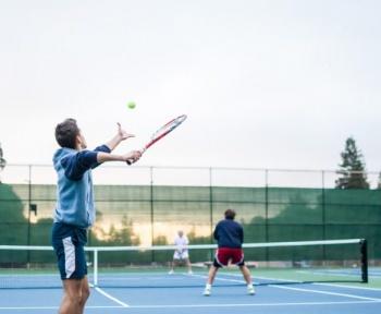 Cette intelligence artificielle génère des matches de tennis surréalistes