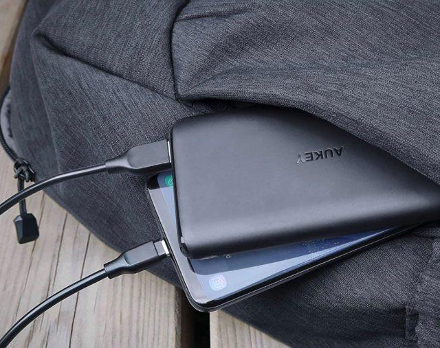 La batterie Aukey 10 000 mAh à… 9€ chez Amazon