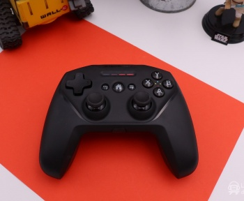 [Test] SteelSeries Nimbus+, la manette de l'univers Apple