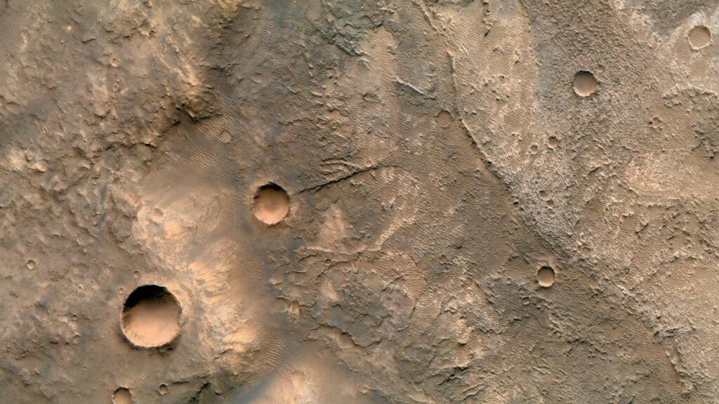 Compter les cratères récents de Mars est si compliqué que les scientifiques ont créé un outil sur mesure