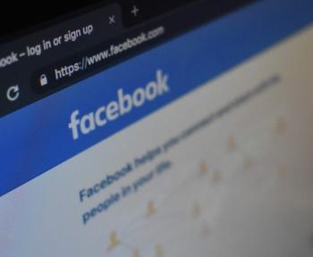 Des pirates imitent Facebook sur Facebook pour s'emparer de pages Facebook