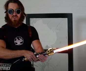 Un youtubeur façonne un sabre laser Star Wars (presque) fidèle à l'orginal