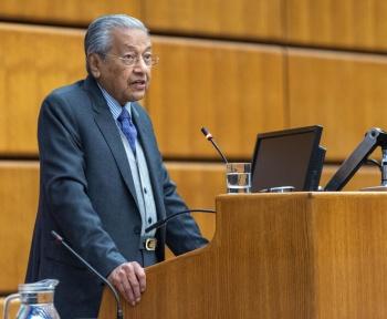 La France dénonce le tweet d'un ex-Premier ministre malaisien justifiant de tuer des Français