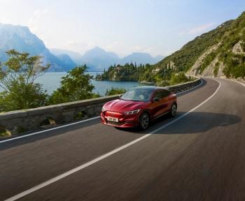 Ford Mustang Mach-E: finitions, équipements et prix en détail, tout savoir du SUV électrique