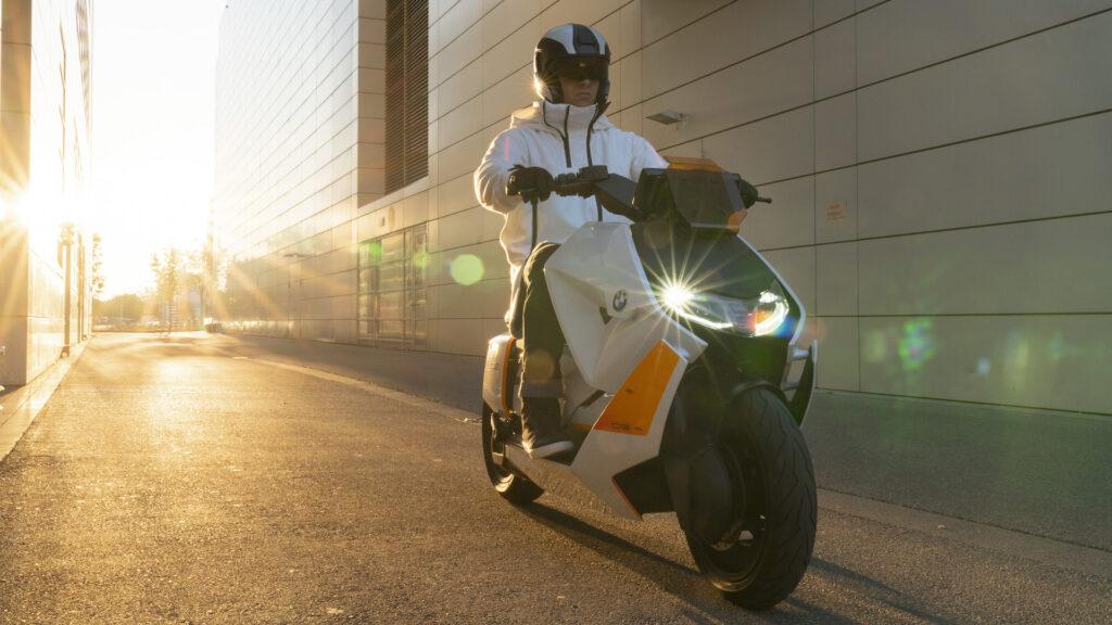 Le nouveau scooter électrique de BMW est vraiment très anguleux