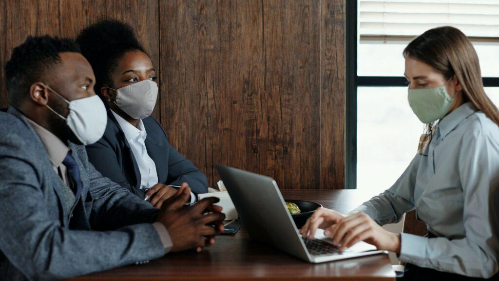 Les masques en tissu protègent-ils du coronavirus?