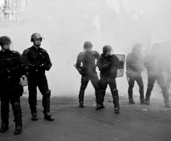 Vidéos de policiers: l'article 24 a été adopté par Assemblée nationale