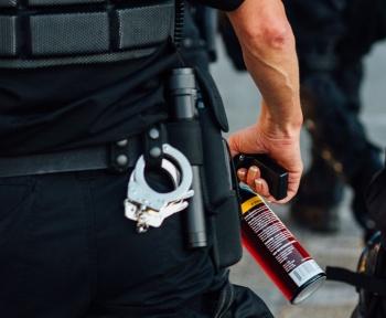 Violences policières: Macron promet une plateforme pour signaler les discriminations