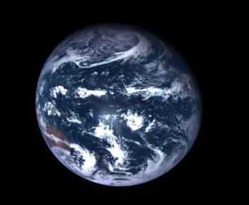 Hayabusa 2 a capturé deux images magistrales de la Terre