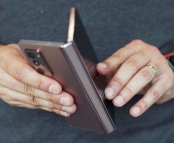 Devinez quelle est la plus grosse marque sur le marché du smartphone pliant