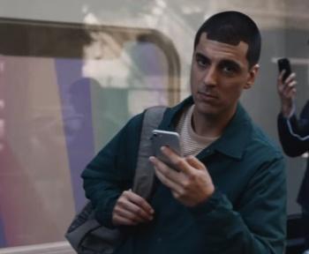 Samsung retire sa pub moqueuse, écran XXL de la Mercedes EQS et fuite sur le OnePlus9 – Tech'spresso