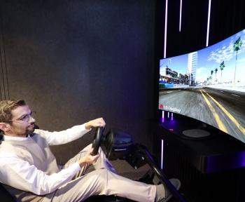 LG dévoile un écran incurvable à l'envi avec du son sans haut-parleur