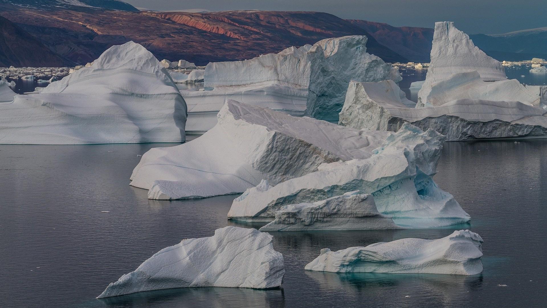 Les microplastiques qui polluent l'Arctique proviennent de nos vêtements