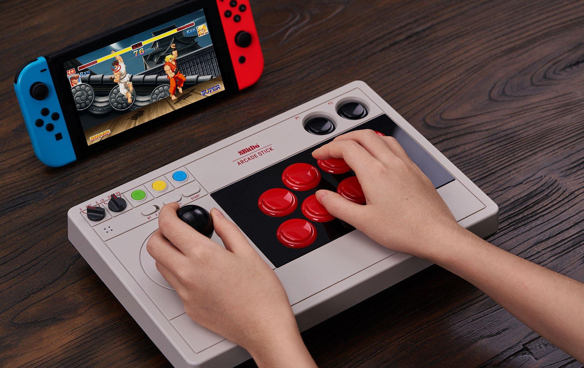 Arcade Stick : un contrôleur arcade et polyvalent grand format chez 8BitDo