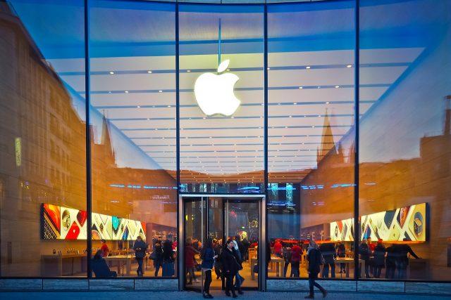 Avant les Apple Glass, un Apple VR ?