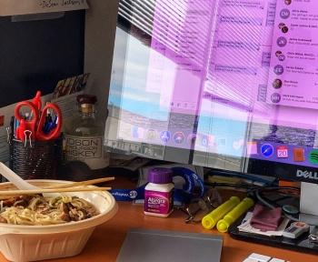 Vous allez pouvoir déjeuner devant votre PC au travail (oui, c'était interdit)