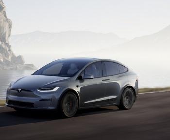 Tesla laisse désormais le choix entre un «Autopilote» et une promesse de conduite autonome