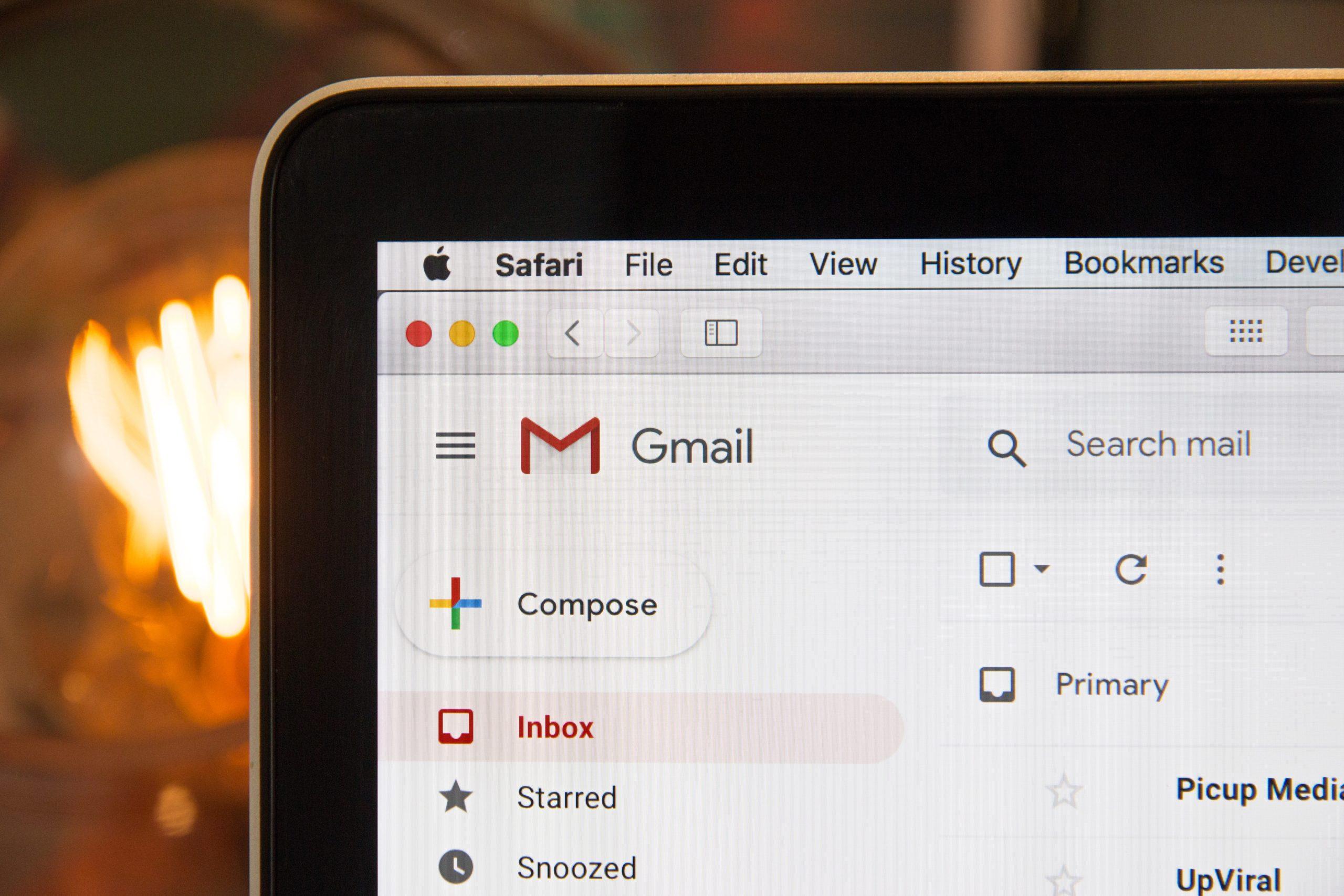 Attention, les deux tiers des mails que vous recevez vous espionnent !