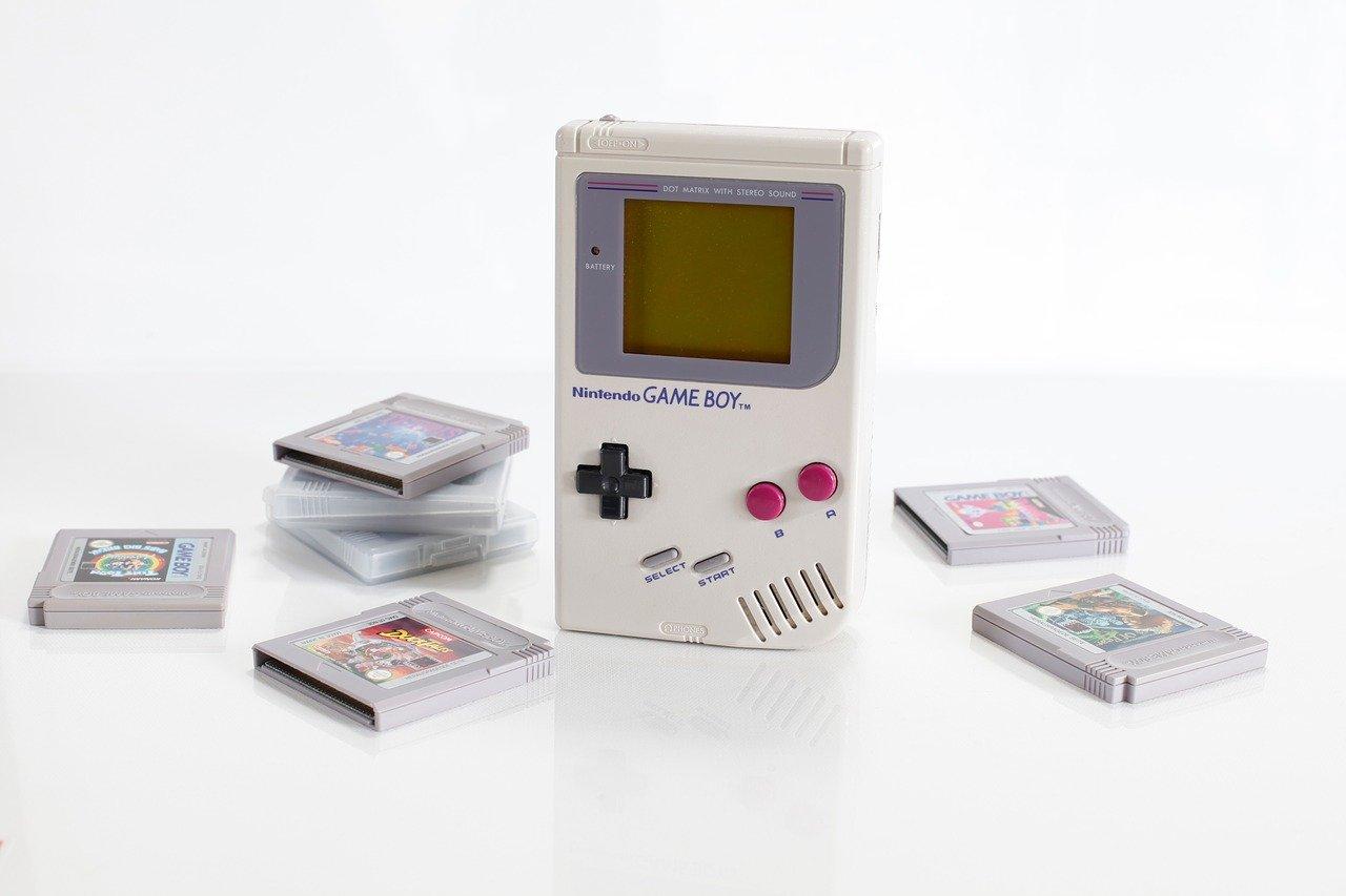 Un YouTubeur a réussi à lire TENET sur un Game Boy Advance