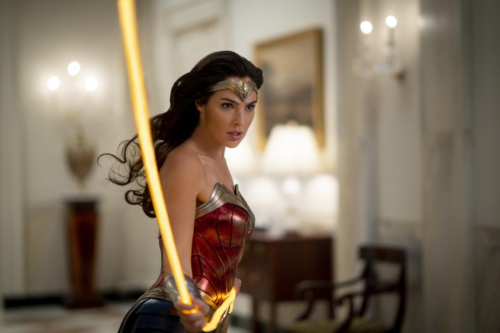 [Critique] Wonder Woman 1984 va-t-il sauver le DCEU ?