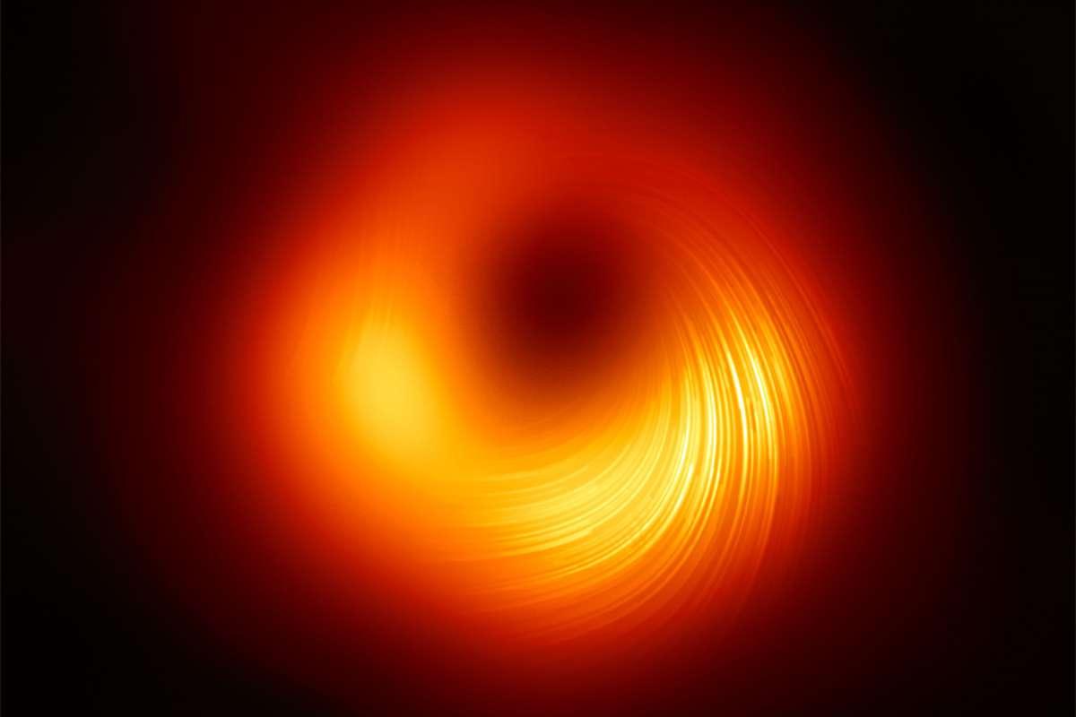 Espace : voici une nouvelle photo HD du trou noir M87