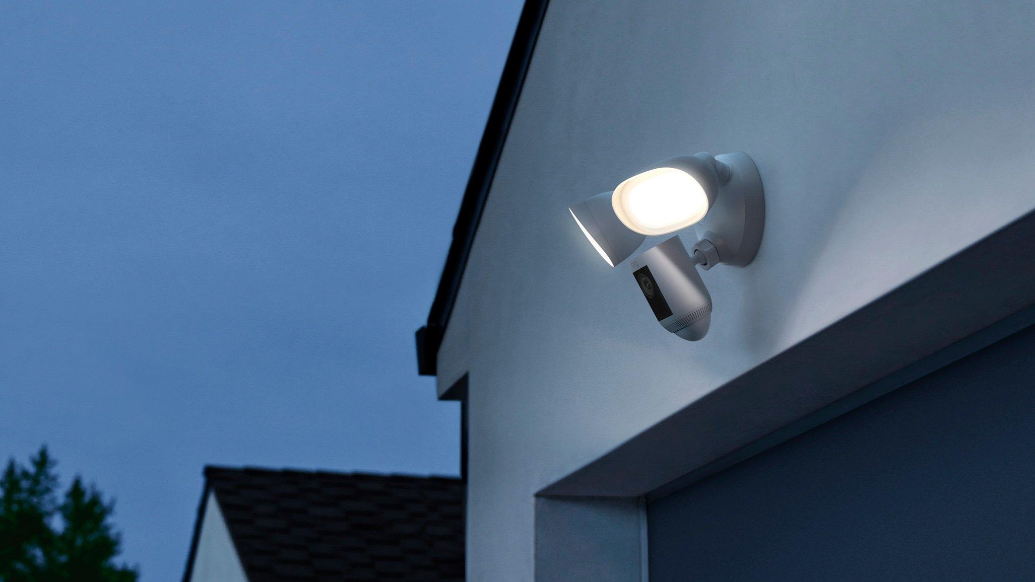 Ring Floodlight Cam Wired Pro: la caméra d'extérieur ultra-perfectionnée arrive en France