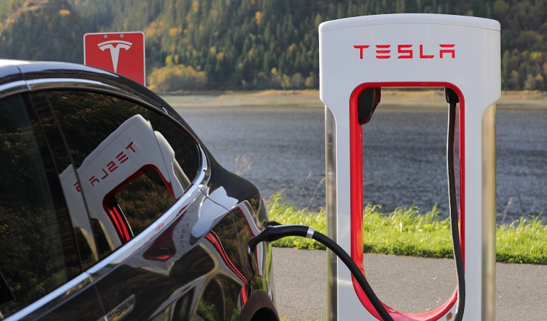 Bonne nouvelle: les superchargeurs de Tesla vont être ouverts à tous les véhicules en 2021