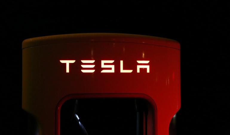 Elon Musk promet que la prochaine bêta du logiciel de conduite autonome va nous épater